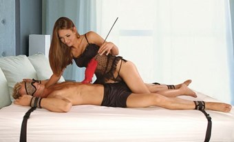 Liberator Bed Buckler - A full body bondage set to immobilize your partner to the bed