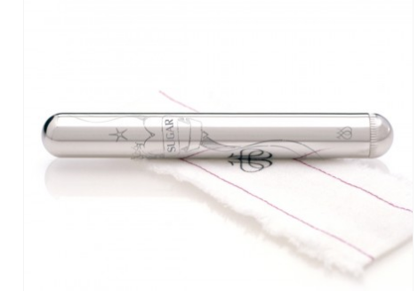 Jimmyjane LITTLE PLATINUM LIMITED - A sleek, powerful steel/platinum bullet with a replaceable engine, a beautiful etching and a personalized engravement.