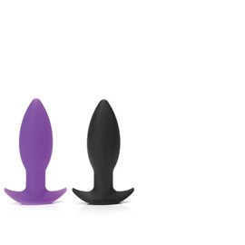 Tantus Neo - An ergonomically curved plug with a smoothly tapered base.
