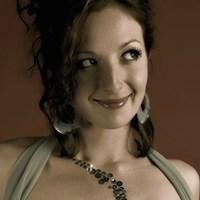 Profile Picture of Zoe Wilder