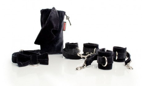 Liberator Tensioner - Cuff and Blindfold Kit in Microfiber - A pair of self-tightening cuff sets for some intense bondage play