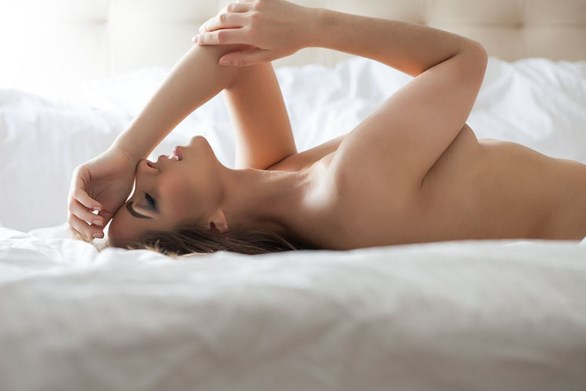4 Super-Hot Scenarios You Can Create With a Remote-Controlled Vibrator