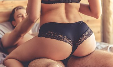 The 5 Best Sex Positions to Send Her to G-Spot Heaven
