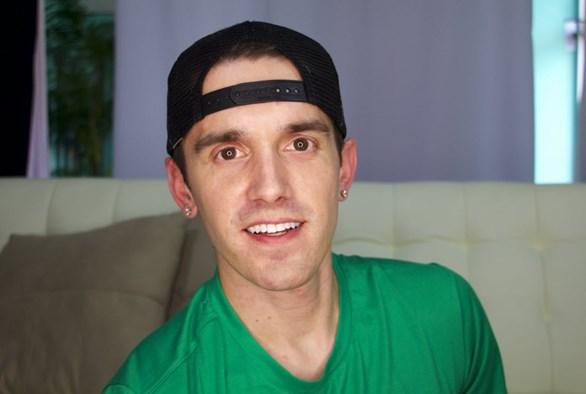 Sex Blogger of the Month: Josh Robbins of I'm Still Josh