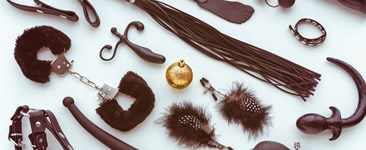 How to Add the Holidays to Your Kink Play