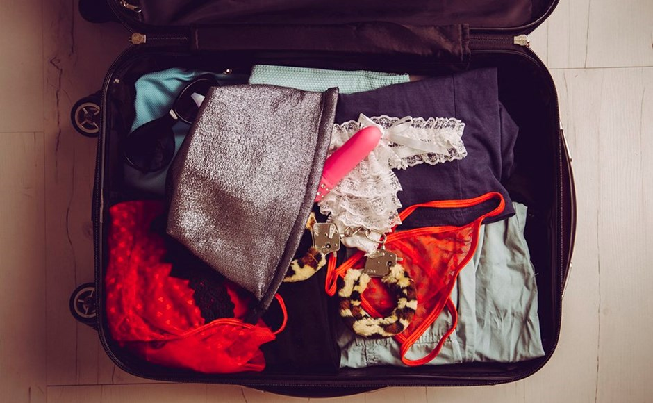 5 Tips for Finding Kinky Play When You Travel