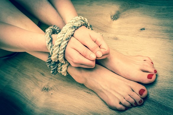 Alternatives to Rope Bondage: When Not to Tie One On