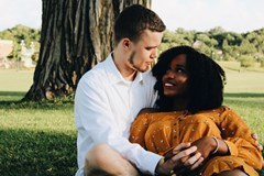 shanique-wrigh-unsplash-couple-under-tree